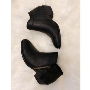 🔆 NWOT Size 6 Black Ankle Boots